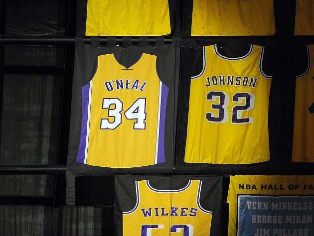 Lakers set to fix mistake on Shaq's retired jersey before Friday ...