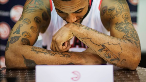 Vince Carter Asked Hawks Mike Scott About His Emoji Tattoos