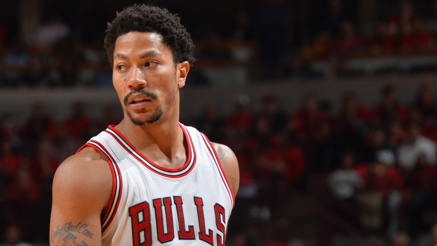"Derrick Rose spokesperson calls lawsuit alleging rape ""outrageous,"" a ""shakedown"""
