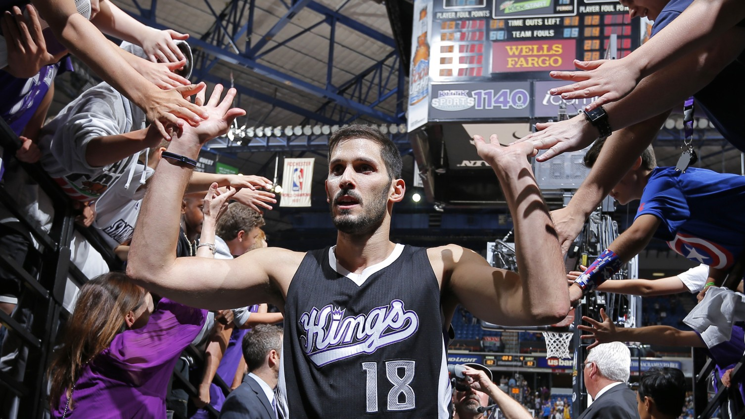 Omri Casspi says Kings going in right direction, can make playoffs in West