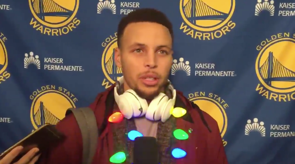 curry christmas light necklace