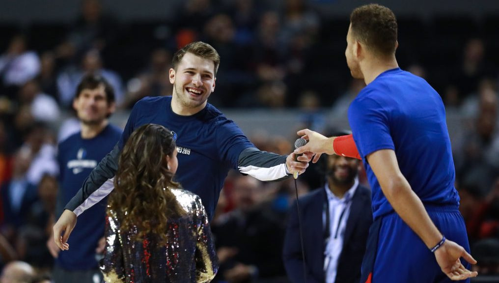 Luka Doncic greets Mexico City fans in Spanish, a tough act for Blake Griffin to follow (video)