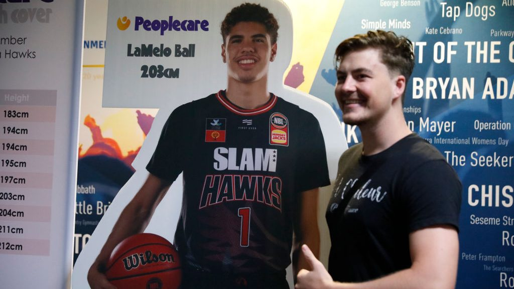 Lamelo Ball Leaves Australia Supposedly Without Telling His Team 6 ft 3 in / 190 cm. lamelo ball leaves australia