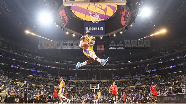 LeBron James imitates Kobe Bryant dunk