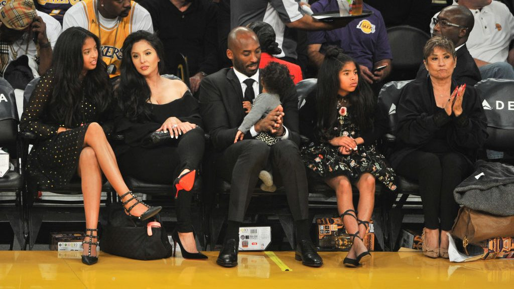 Vanessa Bryant suing helicopter company in crash that killed Kobe Bryant
