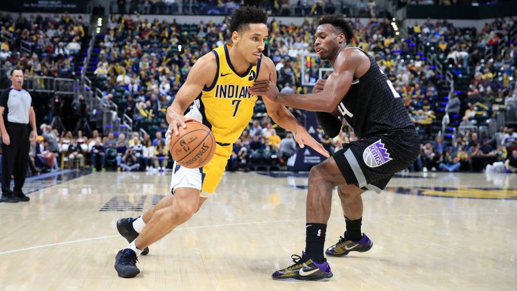 Pacers guard Malcolm Brogdon and Kings guard Buddy Hield
