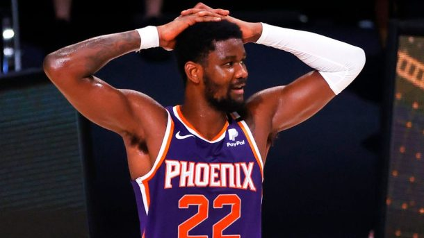 Suns center Deandre Ayton