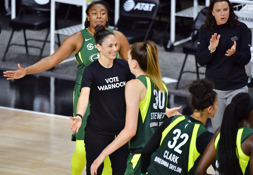 Kelly Loeffler calls WNBA players supporting Warnock 'cancel culture'