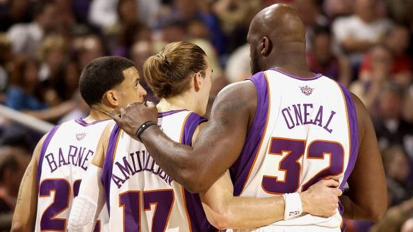 Suns players Lou Amundson and Shaquille O'Neal (Shaq)