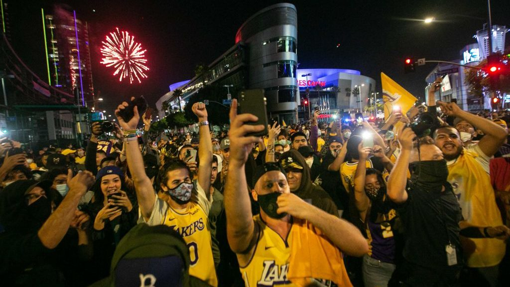 Lakers fans celebrate championship amid coronavirus pandemic