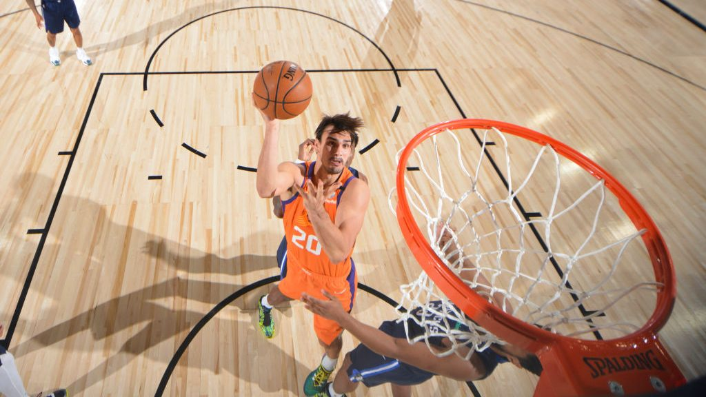Suns forward Dario Saric