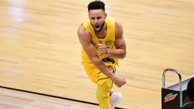 Warriors star Stephen Curry in 3-point contest