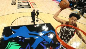 Trail Blazers guard Anfernee Simons in dunk contest