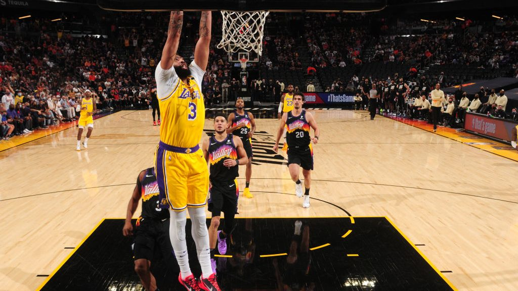Anthony Davis in Lakers-Suns Game 2