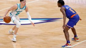 Hornets rookie LaMelo Ball and Knicks rookie Immanuel Quickley