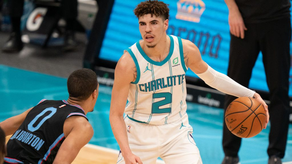 Hornets rookie LaMelo Ball and Kings rookie Tyrese Haliburton