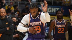 Jae Crowder does salsa dance in Suns-Lakers Game 6