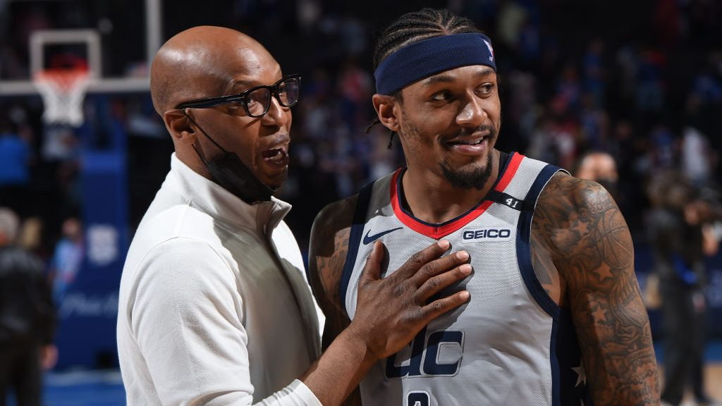 76ers assistant coach Sam Cassell and Wizards star Bradley Beal