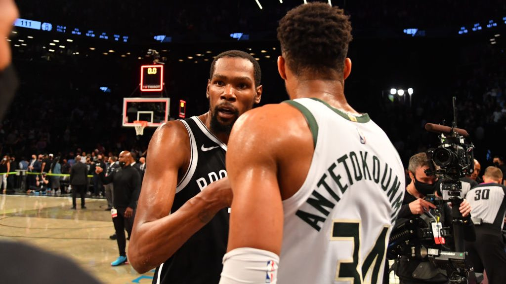 Kevin Durant and Giannis Antetokounmpo after Bucks-Nets
