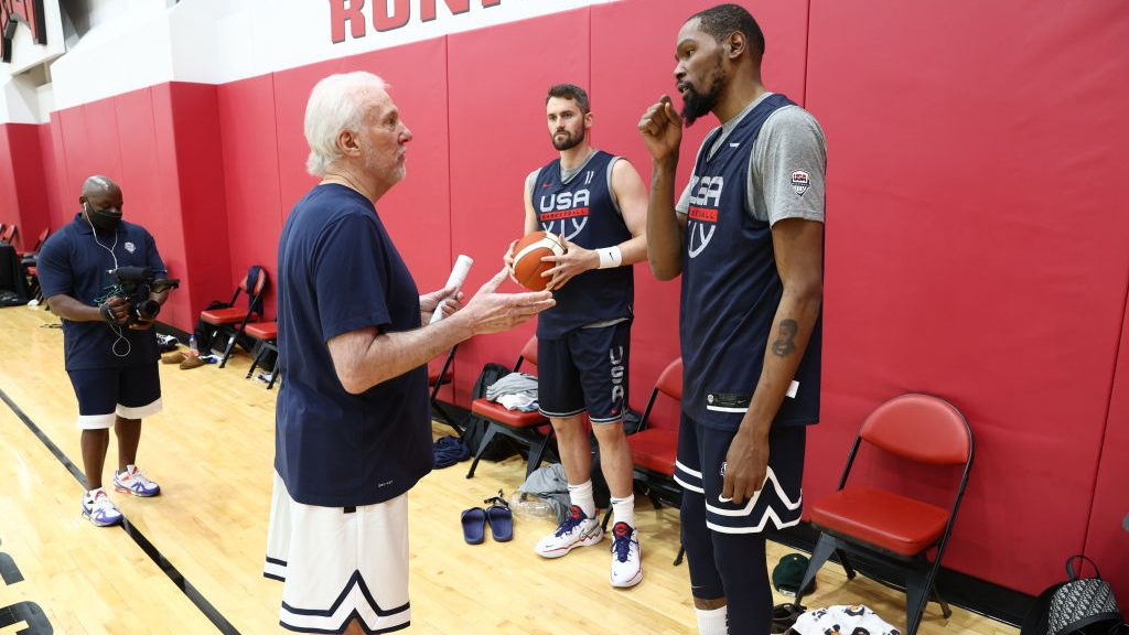 Spurs coach Gregg Popovich and Nets star Kevin Durant with Team USA before Tokyo Olympics