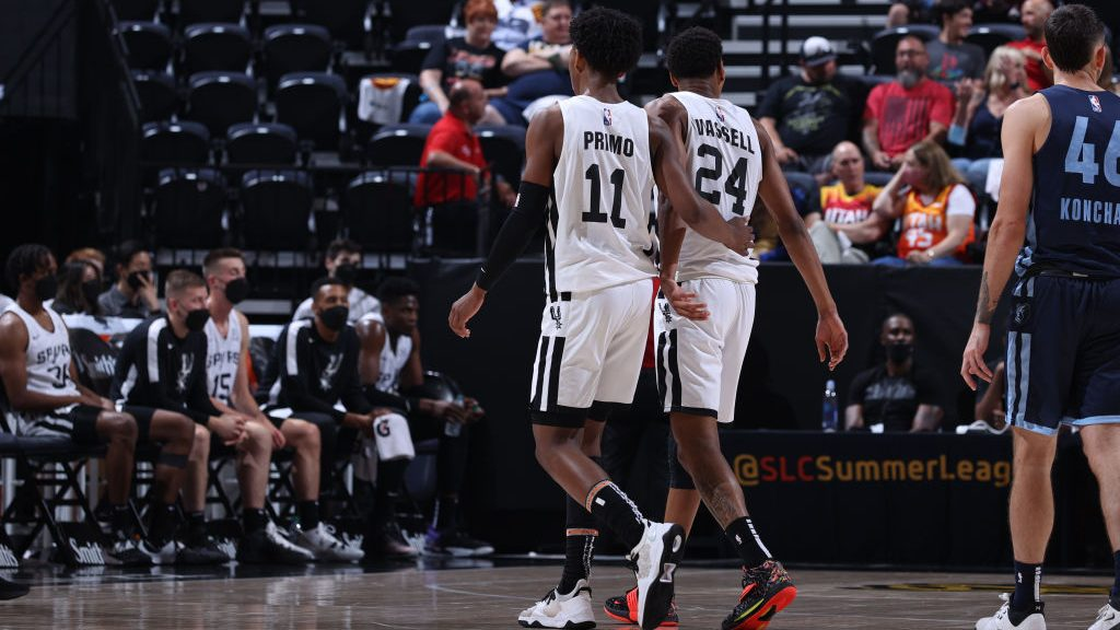 Spurs turn the page